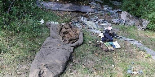 Einsamer Tod in Düsseldorf: Skelettierte Leiche lag wochenlang hinter Tankstelle