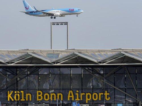 Gibt's doch nicht: Flughafen Köln/Bonn: Mitarbeiter sollten eigene Koffer mitbringen