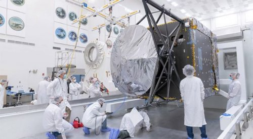 NASA Begins Assembling Spacecraft to Study Enormous Metallic Asteroid