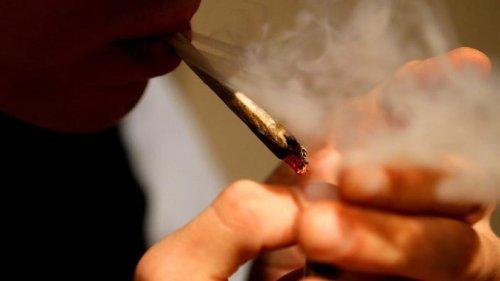 Psychose, boulimie, angoisses : quand le cannabis ébranle des vies
