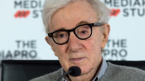 «Je ne pense pas qu'elle mente» : Woody Allen réagit aux accusations d'incestes sur sa fille adoptive
