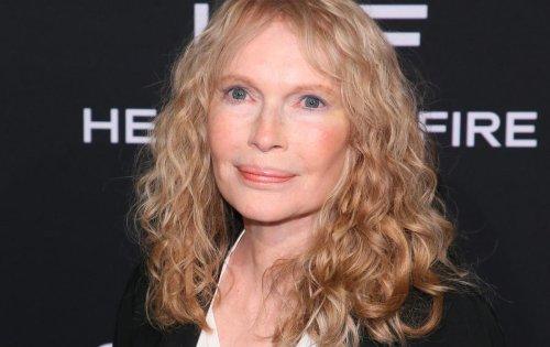 """Mia Farrow répond aux rumeurs """"vicieuses"""" concernant la mort de 3 de ses 14 enfants"""