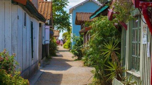 Et les petites villes touristiques les plus prisées des Français sont...
