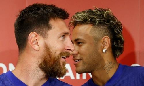 Messi mettrait «une pression quasi quotidienne» à Neymar pour qu'il revienne à Barcelone