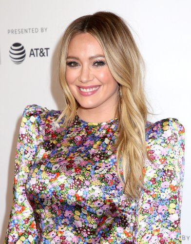 Hilary Duff Shares First Photos From Lizzie McGuire Revival - Fame10