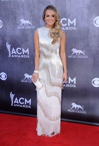 Fame10 Fashion Evolution: Carrie Underwood - Fame10