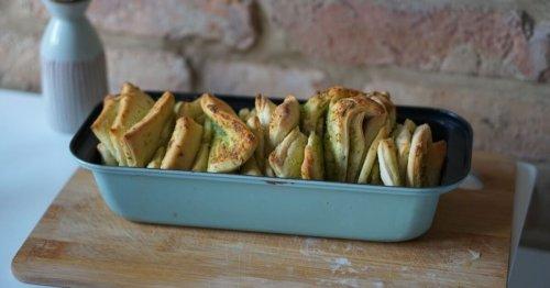 Bärlauch Zupfbrot: Dieses einfache Rezept ist unglaublich lecker | familie.de