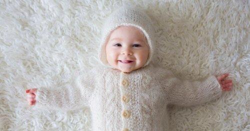 Babyjacke stricken: Anleitung & Strickschrift   familie.de