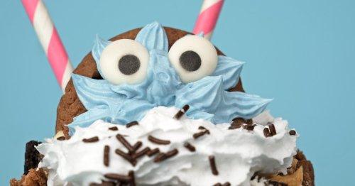 Der blaue Renner auf eurem Kindergeburtstag: Cookie Monster Freak Shake   familie.de