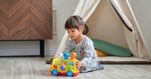 Ab wann können Kinder alleine spielen?