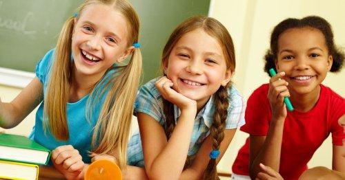 Wieso der Sitzplatz un der Schule wichtig für eure Kinder ist | familie.de