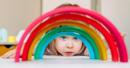 Montessori Spielzeug: Lasst mich lernen, Mama und Papa! | familie.de