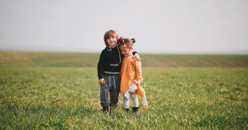 Tag der Entschuldigung: Wie Kinder lernen einander zu verzeihen | familie.de