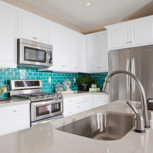 10 Paint Colors and Trends for Small Kitchens