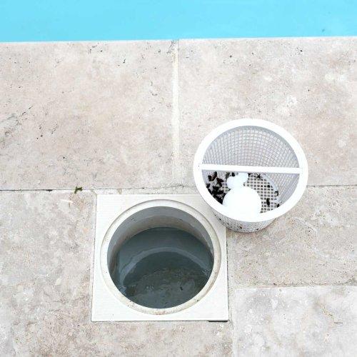 Swimming Pool Repair: Common Problems and DIY Solutions