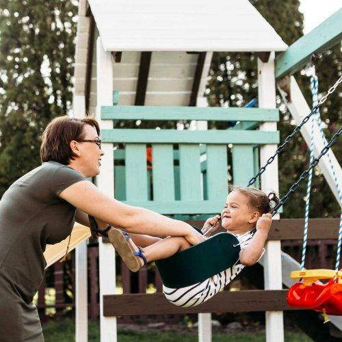 8 Best Backyard Swing Sets