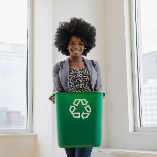 The 5 Worst Things to Throw in the Recycling Bin