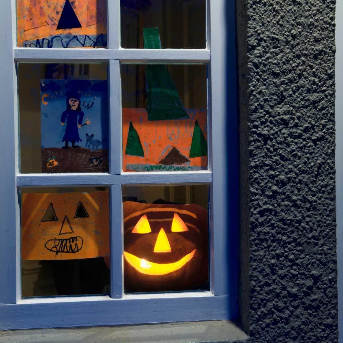 10 Best Halloween Window Décor Options