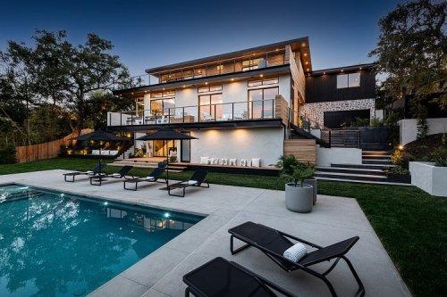 'Modern Family' Star Jesse Tyler Ferguson Buys Gorgeous $8.7M Encino House