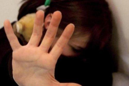 Milano, violenze e abusi su compagna e sua figlia 14enne: condannato a 10 anni di carcere