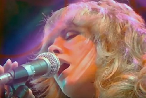 Listen to Stevie Nicks' isolated vocals for Fleetwood Mac classic 'Gold Dust Woman'