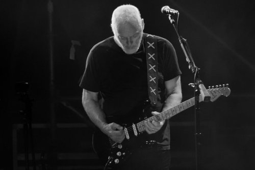 "Pink Floyd's David Gilmour explains how he gets ""his sound"""
