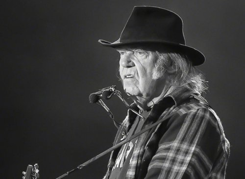 Neil Young's unpublished science fiction novel sounds absolutely insane