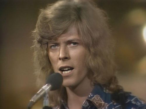 Hear the beauty of David Bowie's isolated vocal on 'Space Oddity' and get instant chills