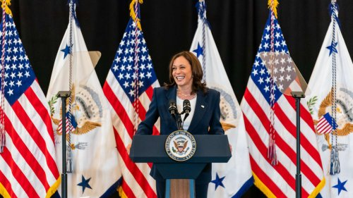 This simple advice from Kamala Harris will make you a better public speaker