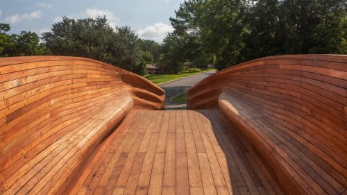 This stunning bridge can be picked up and moved as needed