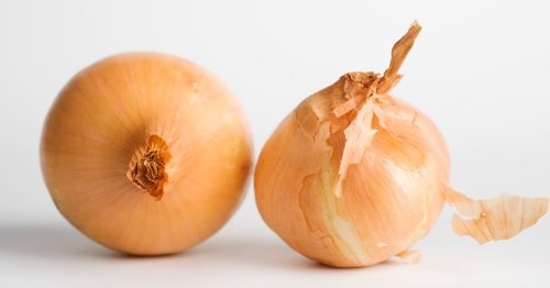 Breaking: Every American Needs to Throw Out These Types of Onions, ASAP.