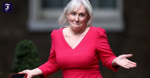 Neue Ministerin Nadine Dorries: Populismus, platinblond