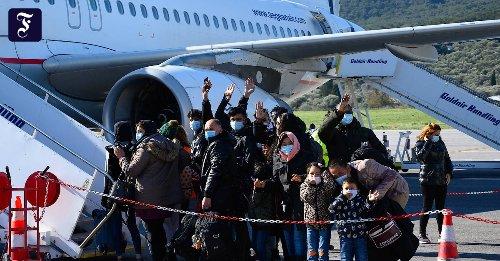 Griechische Flüchtlingslager: Der letzte Flug nach Deutschland