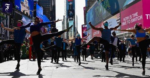 Broadway und Baseball: New York öffnet Theater und Stadien