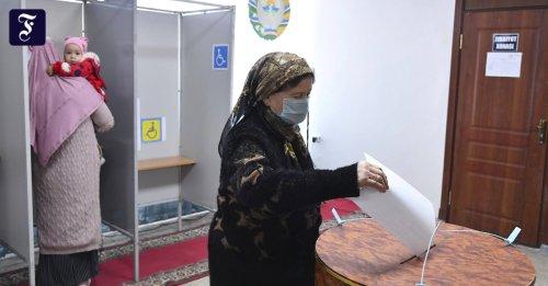 """Journalisten in Usbekistan: """"Ich hatte die Wahl zu schweigen oder zu gehen"""""""