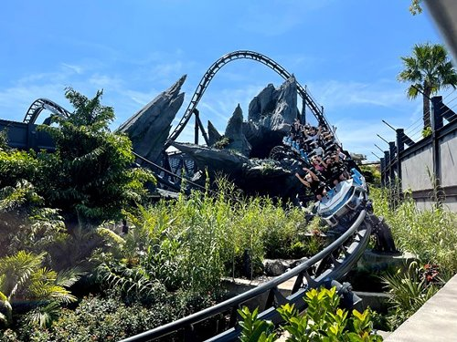 Universal's new Jurassic World: VelociCoaster is a terrifying run with the raptors