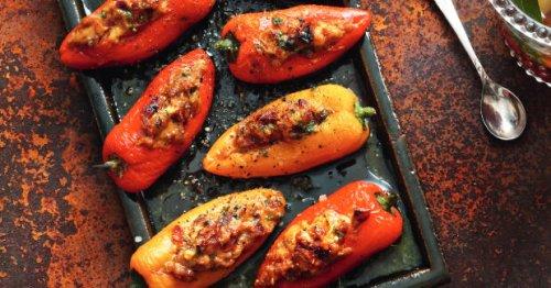 Mini-Paprika mit Hähnchen-Dattel-Füllung