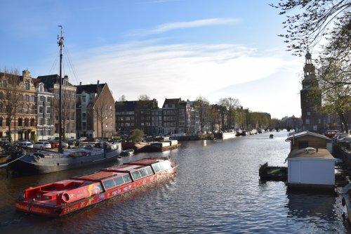 Grachtenfahrt Amsterdam – Sehenswürdigkeiten einfach per Boot