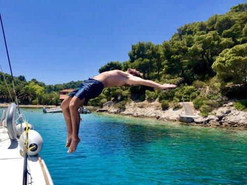 Mit Yachtcharter zu den wunderbaren Perlen des Mittelmeeres