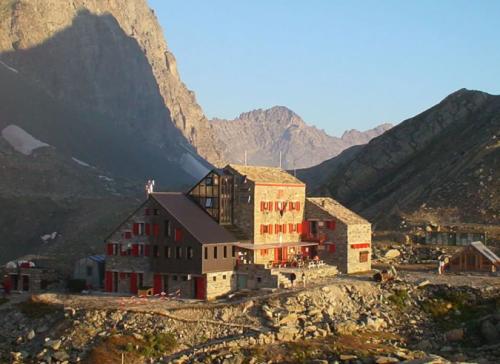 Un refuge italien de haute montagne contraint de fermer par manque d'eau