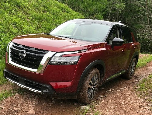 First Look: We Test-Drive the 2022 Nissan Pathfinder