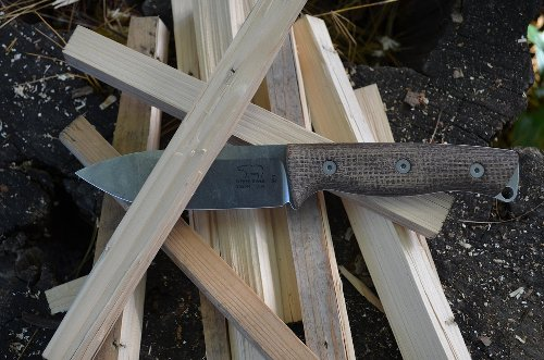 6 of The Best Bushcraft Knives Available Today