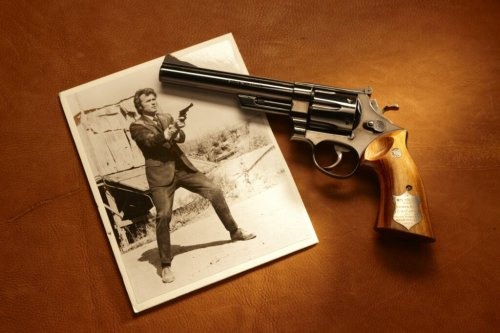 25 Shotguns, Rifles, and Pistols of the Rich, the Famous, and the Infamous