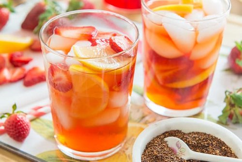Strawberry Iced Tea - Easy and Delicious Party Drink!