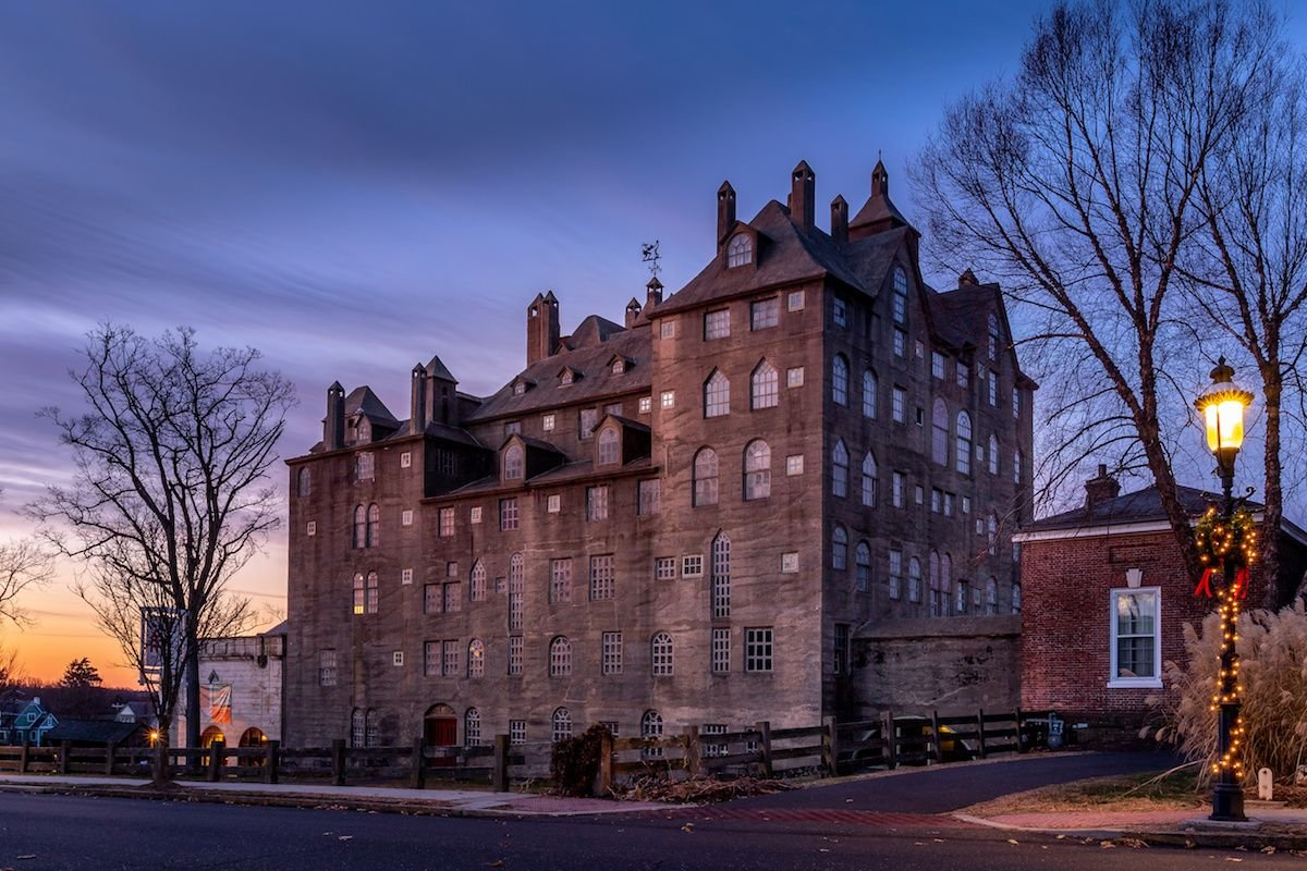 17 Magical U.S. Castles You Can Visit in Real Life