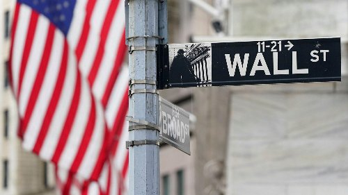 Wall St. ebbs off ahead of earnings, key inflation data