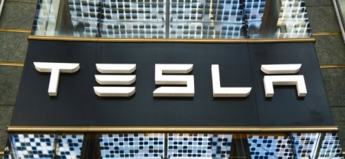 Tesla-Aktie auf Rekordniveau: Hertz bestellt 100'000 Teslas - Neuer Anlauf für Online-Erörterung von Kritik an Fabrik