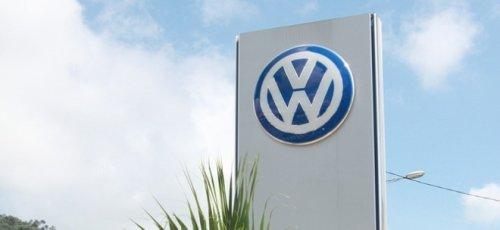 Volkswagen-Aktie wechselt Vorzeichen: VW-Konzern dürfte weiter von Chip-Mangel belastet werden - VW-China-Chef sieht Normalisierung