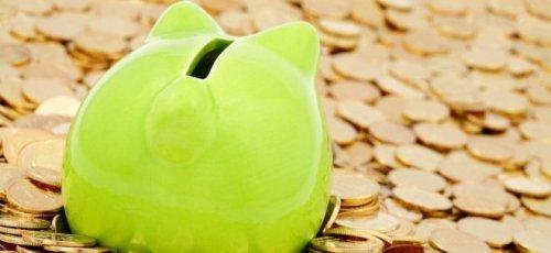 Wie kann man beim Tanken mit Kunden- und Kreditkarten bares Geld sparen?