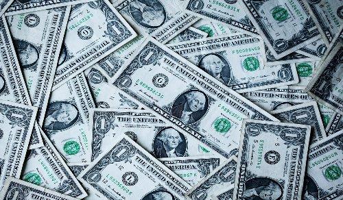Saudi Aramco's Profit Halved in Two Years, Market Cap $210B Below Apple's
